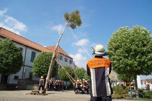 Maibaumaufstellung - Feuerwehr Geldersheim