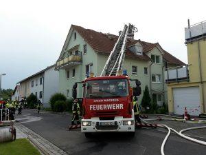 Dachstuhlbrand nach Blitzeinschlag Bergrheinfeld