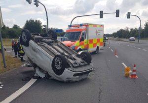 Verkehrsunfall B303 – PKW auf Dach