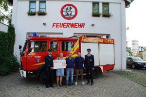 Gadenweinfestbesucher spenden 1.000 Euro - Feuerwehr Geldersheim